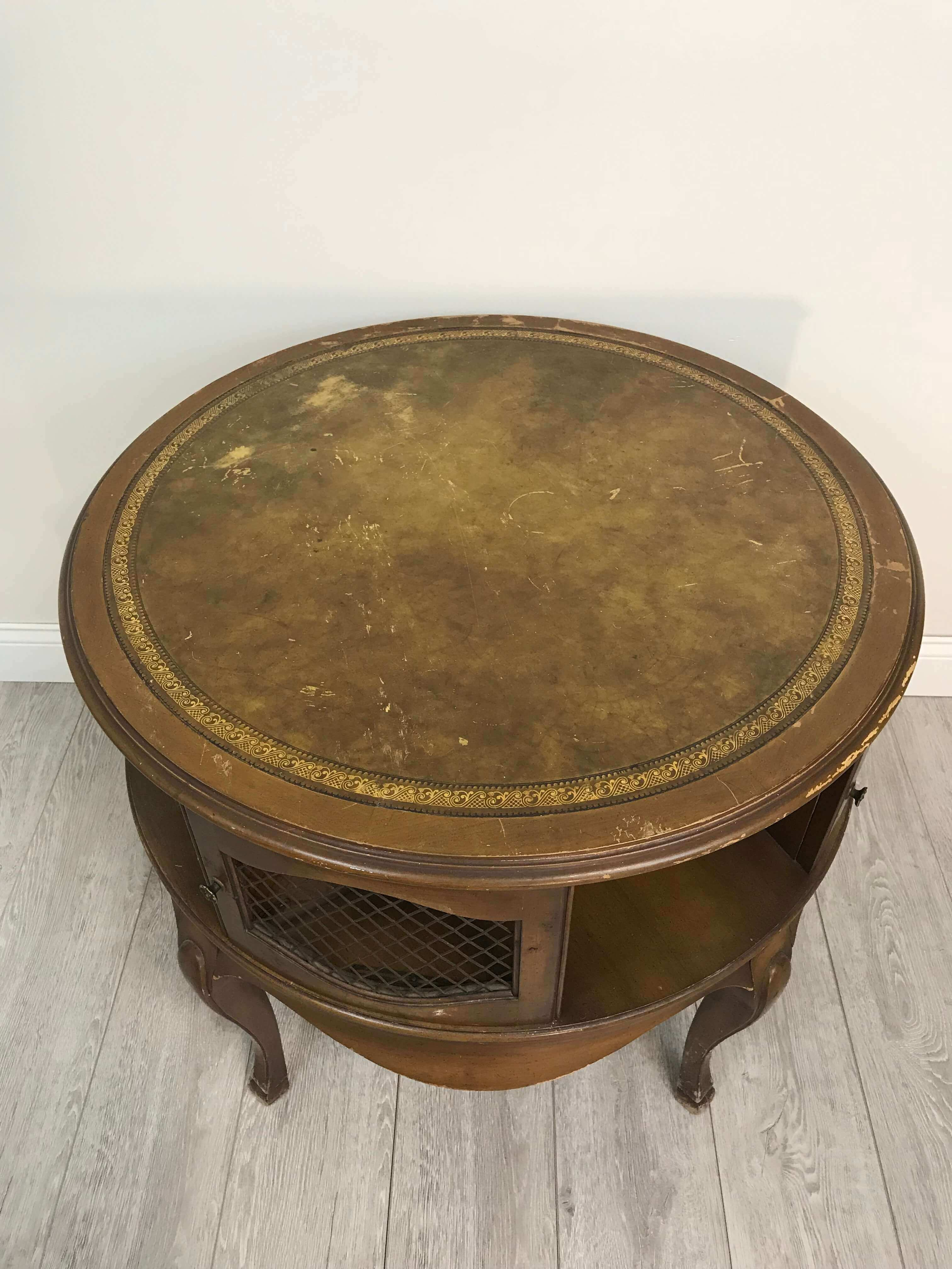 Round Side Table 7